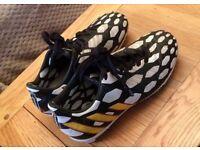 Boys' adidas Predator Absolado Football Boots size 1