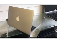 Apple macbook air 11inch i5