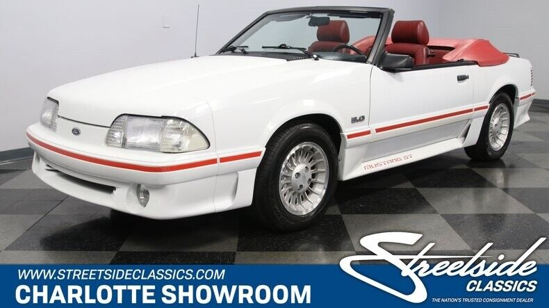 Image 1 Voiture Américaine de collection Ford Mustang 1987