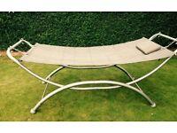 Free standing metal frame hammock