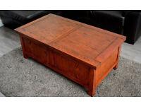 Solid wood coffee table coffee trunk, dark wood sliding top, walnut