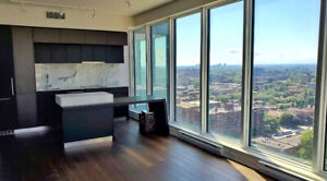 LUXURY 2 BEDROOMS CONDO + PARKING - DOWNTOWN
