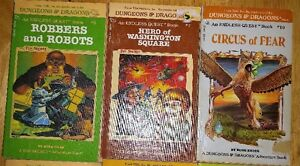 DUNGEONS AND DRAGONS BOOKS LOT