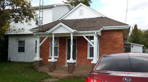 Exceptional 2-level Family home updated renovated