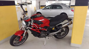 Ducati Monster 1100 -  Very Low Kms