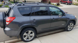 2011 TOYOTA Rav4 Sport, Lockable 4WD, Amazing on Gas, Low KMS.