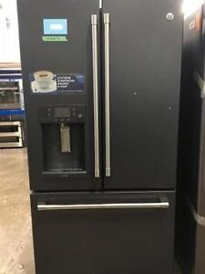 Réfrigérateur à portes françaises, 36po, Keurig intégré