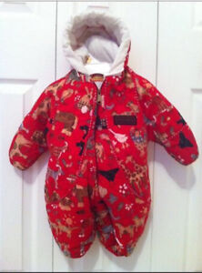 Snow suit: 6 to 9 mos $10