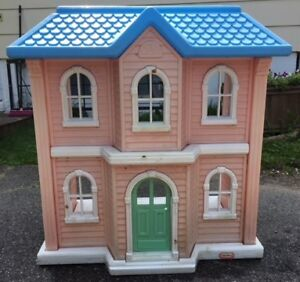 Doll House (Little Tikes)