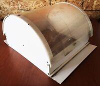 Protecteur anti-pluie pour ventilation de tente-roulotte à vendr