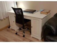 Desk for salle