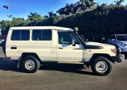 2011 Toyota Landcruiser VDJ78R MY10 GXL Troopcarrier White 5 Speed Manual Wagon Mackay 4740 Mackay City Preview