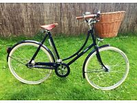 Immaculate and beautiful! Pashley Britannia Ladies Bicycle Bike - 22 inch. RRP is £675!