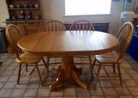 Oak Table w/6 Chairs
