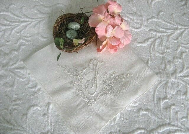 AnTiQuE Bridal MADEIRA Embroidered F MONOGRAM Vintage WHITE WEDDING ROSES Hanky
