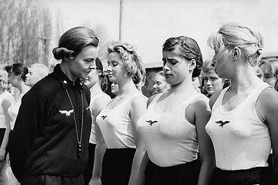 WWII Photo Female German Girls Athletic Club  WW2 B&W World War Two / 2220E