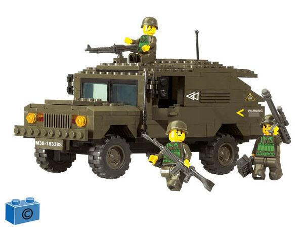 Sluban M38 B9900  Armee-Jeep SUV  Neu & OVP