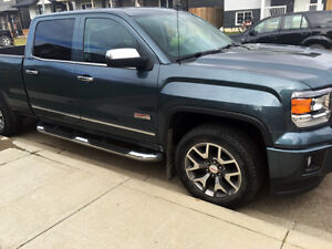 2014 GMC Sierra 1500 SLE All Terrain Edition - only 52,700 km