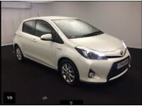 TOYOTA YARIS 1.5 HYBRID ICON PLUS 5d AUTO 61 BHP (white) 2014