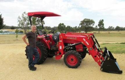 APOLLO 354, 35HP CREEPER GEARS DIESEL 4WD 4-in-1 SELF LEVEL FEL Thomastown Whittlesea Area Preview