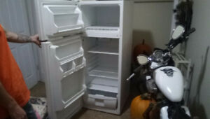 Great fridge for small apartment or house