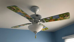 Plafonnier (lumière) / ventilateur pour chambre d'enfant