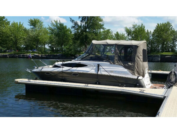 2009 Regal Marine window express 2565