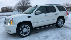 $4000 Reduction 2007 Cadillac Escalade 7 pass MINT Condition