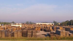 RECYCLED WOOD PALLETS 64 X 48 4 WAY WOOD PALLETS SKIDS Windsor Region Ontario image 3