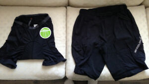 Brand New Endura Hummvee Lite Cycling Shorts with Padded Liner