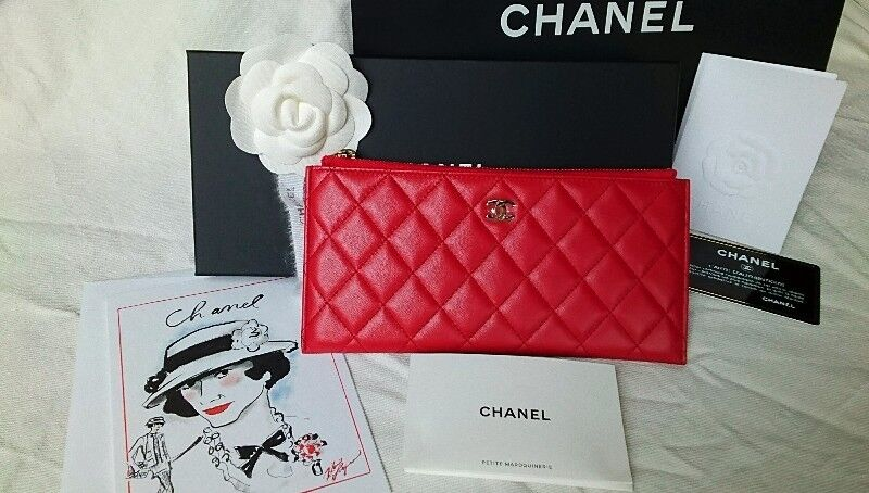 CHANEL ZIP POUCH/CLUTCH