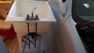 Sink, utility sink