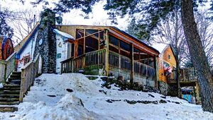 Couples getaway $450, Cottage-private hot tub & sauna