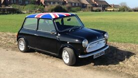 Classic Mini park Lane in gloss jet black with Union Jack roof decal 1000cc