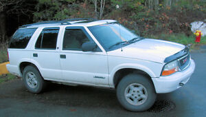 2002 GMC Jimmy SLS SUV