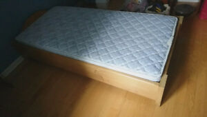 Base de lit + matelas simple
