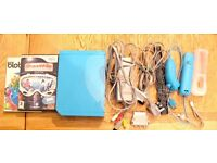 Limited edition BLUE Ninetendo Wii + remote, nunchuck, sensor bar + all cables + 2 games