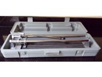 600mm tile cutter with case