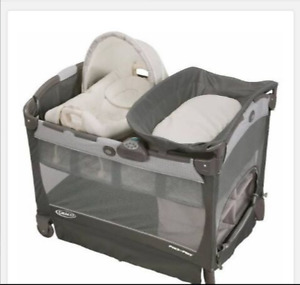 Graco pack n play with cuddlecove rocker