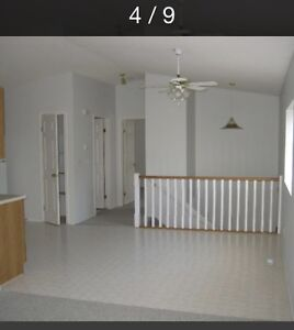 Large 4 bedroom 4 plex with walk in closets