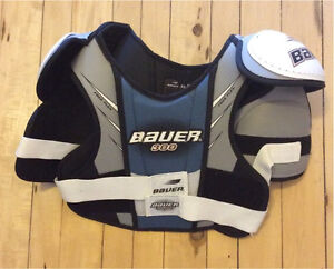 Bauer 300 chest protector - Victoria Harbour