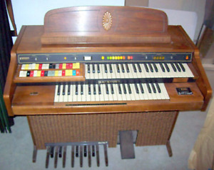 Hammond Organ with Lamp and matching wood storage bench