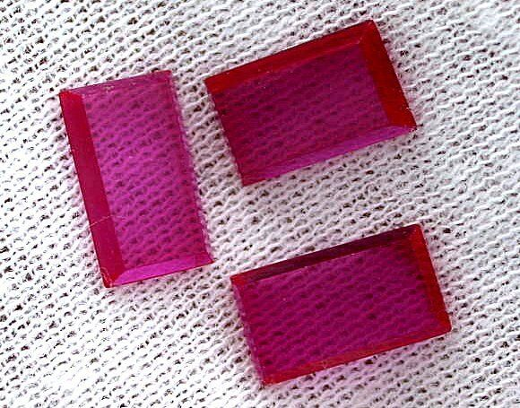 ONE 10mm x 6mm Flat Rectangle Synthetic Ruby Corundum Cab Cabochon Gem