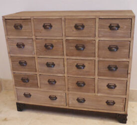 Traditional Style Wooden Bedroom Storage Drawer Cabinet