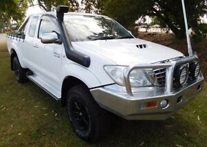 2010 Toyota Hilux KUN26R MY10 SR5 Xtra Cab White 5 Speed Manual Utility Hidden Valley Darwin City Preview