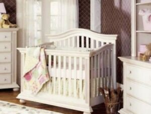Crib-Tiffany-3 In 1 convertible Crib