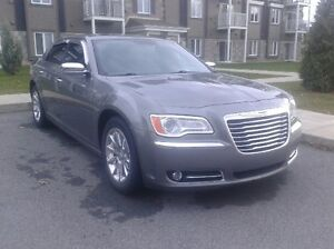 2012 Chrysler 300-Series Limited  **bas mileage 63000km**