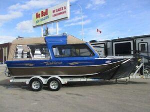 LUXURY RIVER/LAKE BOAT **$364 b/w (oac)** 21' HARDTOP JET BOAT!
