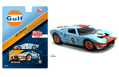 Auto World Ford GT40 1965 Gulf Oil CP7483 1/64 LTD 3600 units