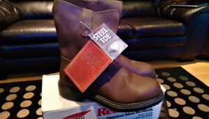 Brand New Never Worn Men Red Wing Brown Pull On Boot Size 7 1/2